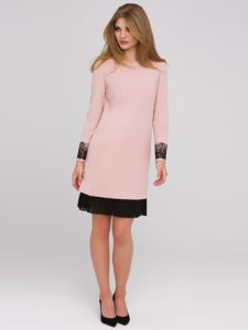 630e1801d4 W jaki sposób romantycznej sukience nadać rockowego looku